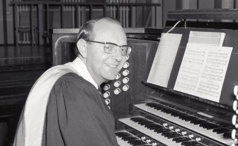 1976 - Organist (2)